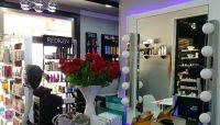 Atelier La Femme, Make Up Table