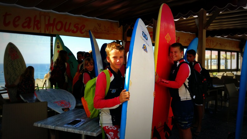 BD Surf - kids ready for waves