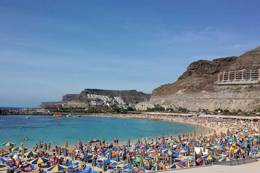 Playa de Amadores - the lovers beach