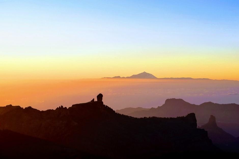 Sunset Gran Canaria - Tenerife Teide.