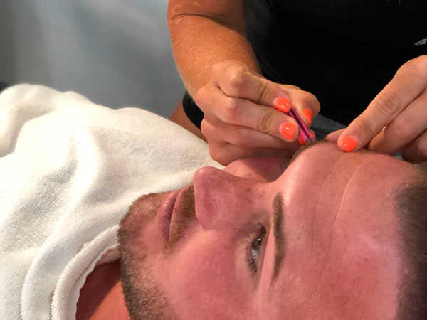 ROUTE69 - Eyebrow styling and depilation
