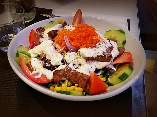 Pomodoro Mozzarella Steak Salad