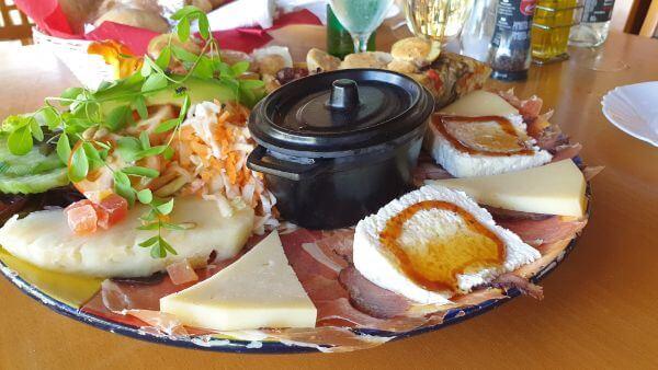 El Albercon Gañania Restaurant La Aldea PALTO DE TAPAS