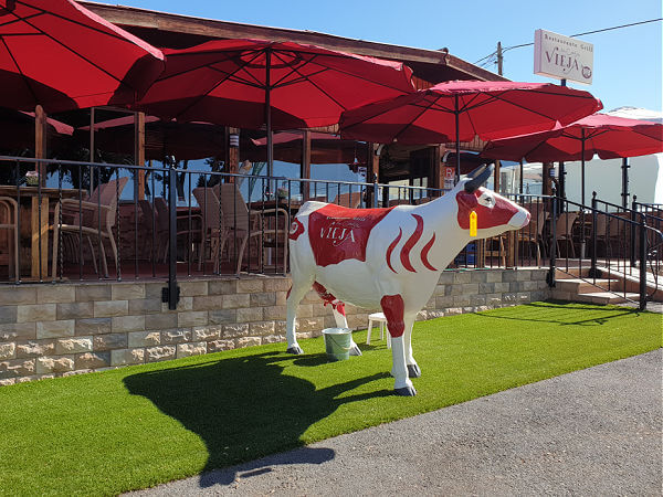 La Casa Vieja - Red Cow