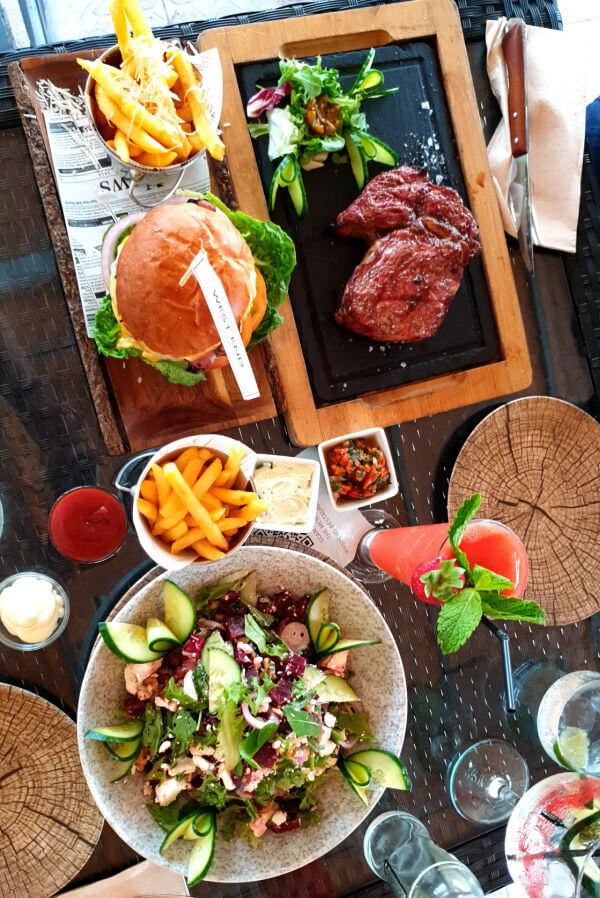 West end Restaurant TABLE